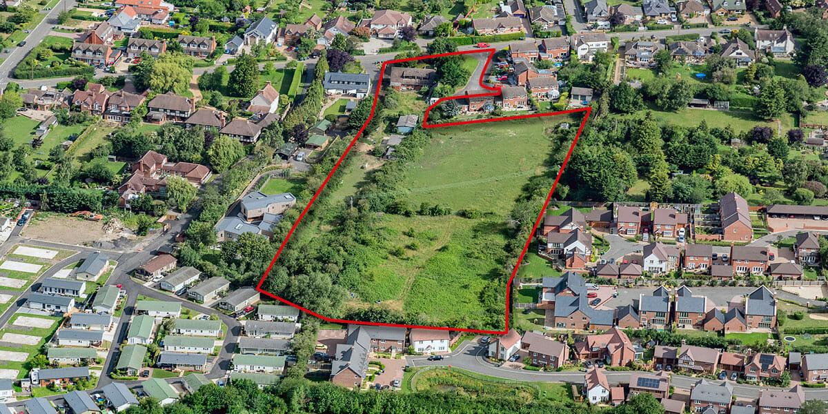 Barton Fields Welford Redline